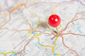 pushpin-map-close-up-red-36165671